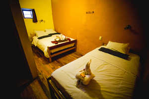 150 soles per room<br/>